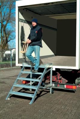 Podest-Treppe fahrbar Leichtmetall, - 2 Stufen 800 mm, Neigung 45°